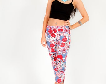 60s vintage psychedelic red blue & white cropped Capri pants