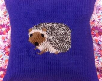 Schnauzer dog cushion cover chunky knitting pattern.