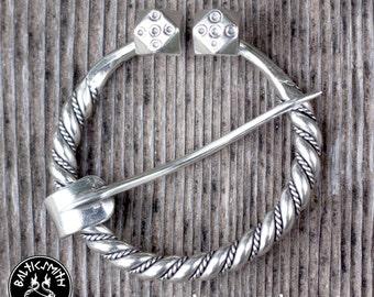 Latvian Penannular brooch in sterling silver