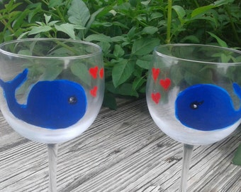 His and hers whale wine glasses, whales in love, cute wine glass set
