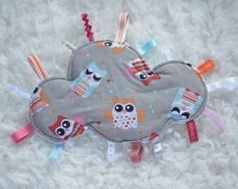 Doudou étiquettes en forme de nuage, tissu hiboux et velours minkie bleu ciel, bébé de 3 à 12 mois