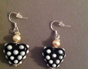 Earrings lamp work hearts Pearls puerced