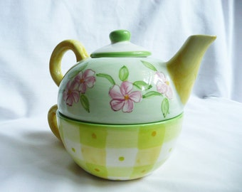 Tracy Porter Teacup-for-One Teapot,Handpainted Teapot,Zrike Handpainted,Zrike Teapot,Zrike Porter Teacup for One, Cottage chic