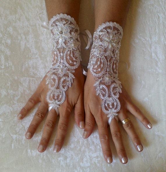 Wedding Gloves, Sparkles Stones, Lace Wedding Accessory, Bridal accessory, Fingerless Gloves, Ivory,