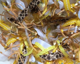 Pretty yellow & white dog collar with leopard print accent ribbons. Great summer collar!