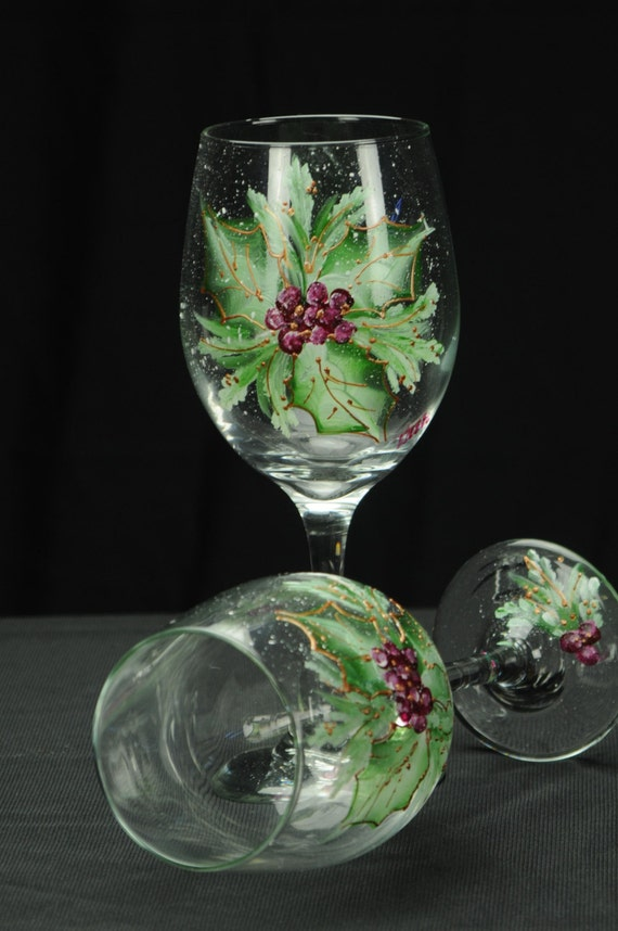 Holly christmas wine glasses page two christmas wikii for Spray painting wine glasses