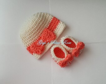 Crochet Baby Hat and Booties Set/0-3 months/ Photo Prop/Ready to Ship