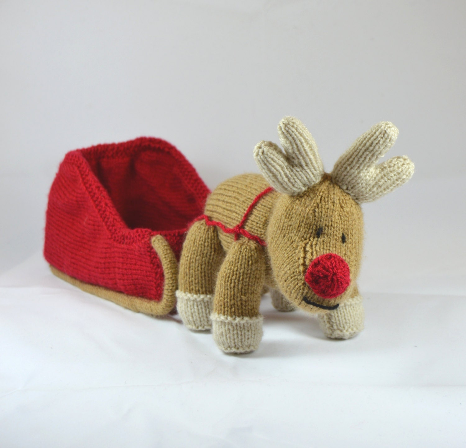 Knitting Pattern For Reindeer Antlers : KNITTING PATTERN Reindeer and Sleigh Christmas Knitting