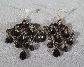 Vintage Art Deco Style Yellow Gold Tone Chandelier Style Dangle Glass Stones Euro Wire Pierced Earrings      K