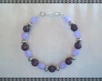purple bracelet, plum bracelet, purple beaded bracelet, light purple bracelet, violet