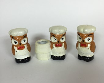 Vintage Kitsch Chef Owl Salt and Pepper Shakers Toothpick Holder 1950s