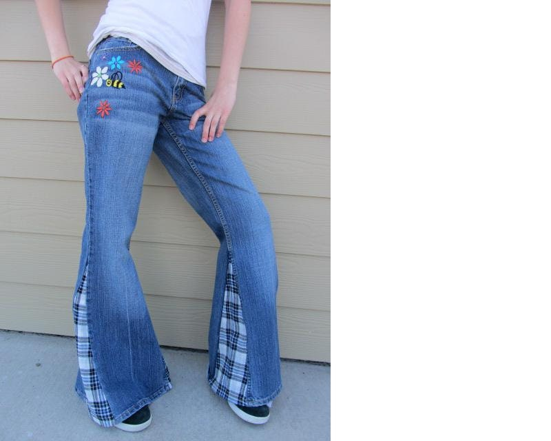 Size embroidered bell bottom jeans
