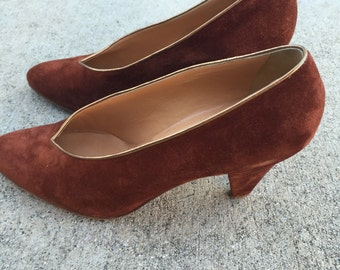 Vintage Maud Frizon suede pumps with gold piping sz 37 gorgeous!