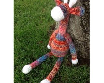 Cuddly crochet giraffe (multicolored)