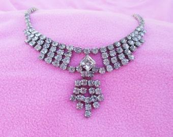 Beautiful Vintage Rhinestone Necklace 1950s   1960s