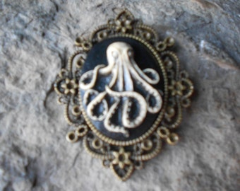 """BRONZE--Stunning Octopus (hand painted) Cameo Pendant Necklace--  2 3/4"""" long-- Great Quality"""