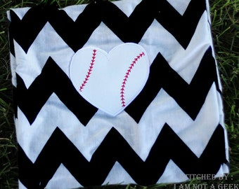 BASEBALL Heart - Applique 4x4 and 5x7 - Embroidery Design -   DIGITAL Embroidery DESIGN