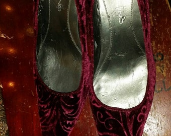 scarlet velvet high heel pumps..womans high heels..scarlet velvet pumps..womans dress shoes.. FREE SHIPPING