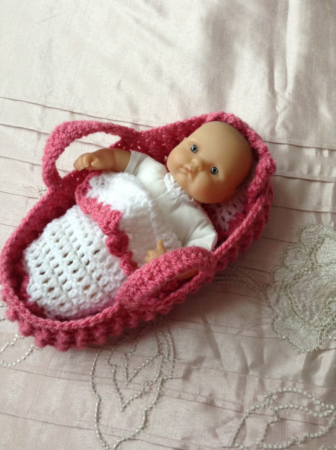 Knitting Pattern For Dolls Moses Basket : Crocheted dolls Moses Basket/carry cot/crib with pillow and