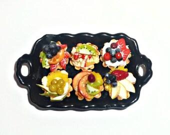 "Dollhouse miniature 1:12 Tray cake ""fruit baskets"""