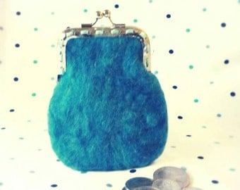 Coin purse, blue felted bag