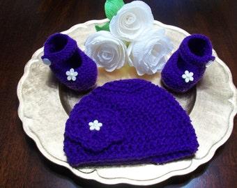 Purple Crochet Baby Booties and Hat Set, Purple Baby Shoes and Beanie, Purple Crib Shoes, Purple Crochet Booties, Purple Baby Beanie