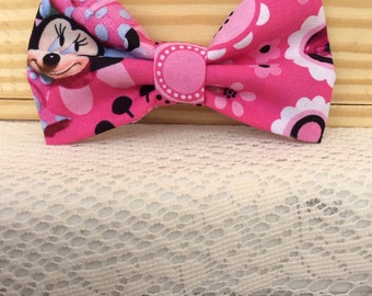 Minnie mouse pink bow