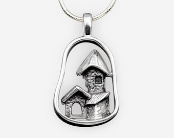 Pendant with old-time houses pattern in blackened sterling silver, Old castle collection