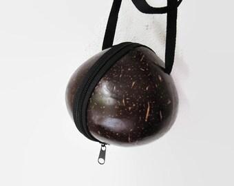 Vintage coconut bag, coconut shell bag, hard shell bag, coconut shell purse, top handle bag, coconut purse, hard shell purse, kawaii bag,