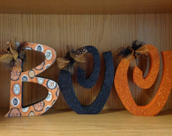 Halloween Decor, Fall Decor, October 31st, BOO with glitter and Curly O's