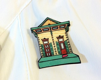 New Orleans Shotgun House in Butter Yellow and Seafoam – Clouet St. Pin