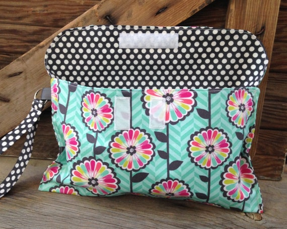 diaper clutch diaper and wipes holder diaper bag. Black Bedroom Furniture Sets. Home Design Ideas