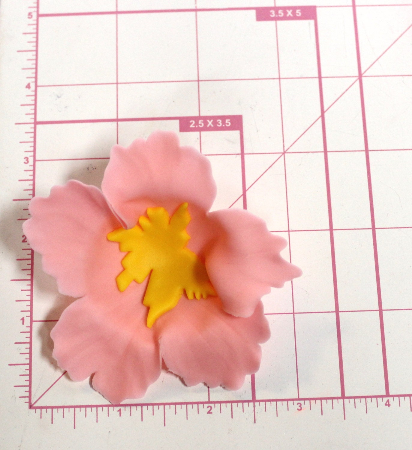 12 hibiscus inspired edible fondant Flowers cupcake cake toppers ...