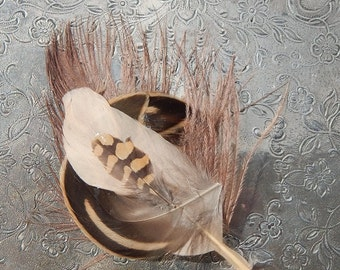Circular Feather Hair Clip