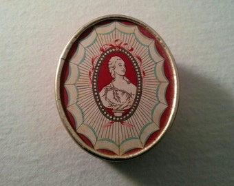 Vintage Richard Hudnut DuBarry Face Powder Box