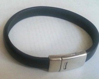 FREE SHIPPING - black Color Leather Bracelet