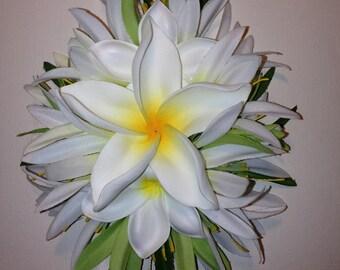 WHITE PLUMERIA GLORY-Plumeria hair clip,Hawaiian hair clip,Beach brides,Wedding,Pinups hair clip,Hula flowers,Frangipani,Bridal headpieces.