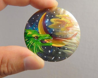 "Large 1 7/8"" Hand Painted Wolf on Sea Shell Pendant Jewelry Necklace DIY Drilled Craft Supplies"