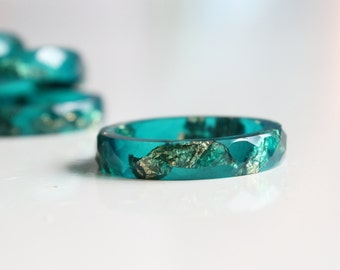 Resin Ring Teal Green - faceted ring, Resin ring, stackable resin ring, gold flakes ring, modern ring, simple ring, flakes jewelry
