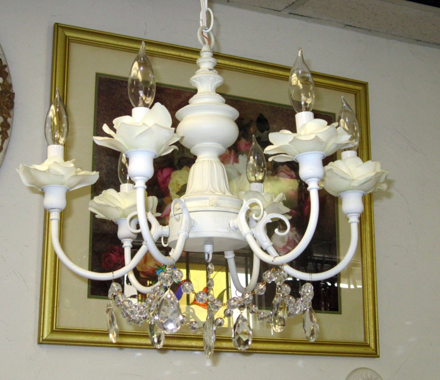 Trendy Chandeliers: Shabby Chic White 5 Light Chandelier With Cream Silk Flowers