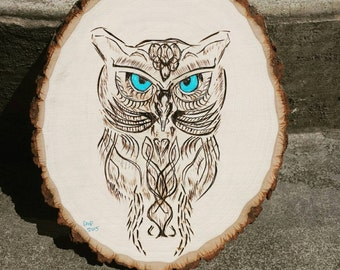 Tribal Owl - Nature - Animal - Rustic