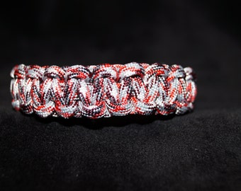 Paracord Bracelet Color is Camo - Red Checker Board