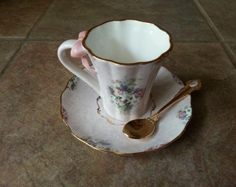 "Bradford Editions Lavender Lily Tea cup & Saucer with Matching Gold Plated Spoon in Lena Liu""s Garden Treasures"