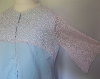 Vintage robe nightdress night set 60s Night dress and Dressing Gown Robe in Baby blue with white lace size XLarge