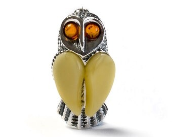 Milky Amber and Silver Barn Owl Brooch SALE