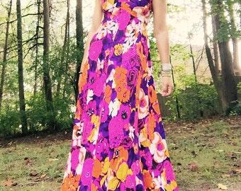 1970's Vintage Boho Floral Maxi Long Dress / Halter Sleeveless Maxi dress / Orange Pink Long Dress / Medium