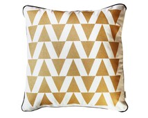 White cushion cover with gold triangles - scandinavian pattern