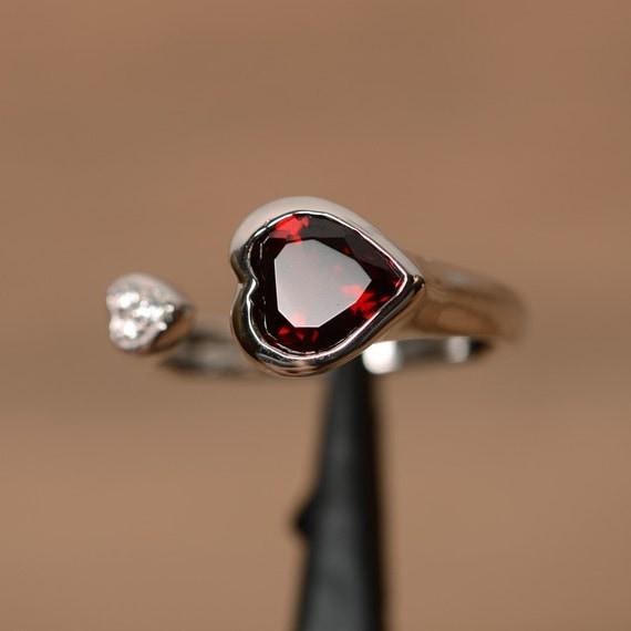 heart cut red garnet ring sterling silver gemstone ring. Black Bedroom Furniture Sets. Home Design Ideas