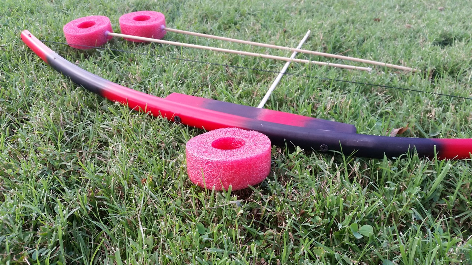Black red kids toy bow with 3 arrows pvc and wooden bow foam for Kids pvc bow
