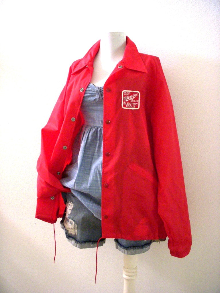 vintage 70s windbreaker with amstar milwaukee tool patch